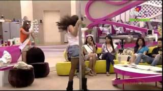 Sunny Leone Bigg Boss Season 5 - Sexy Pole Dance