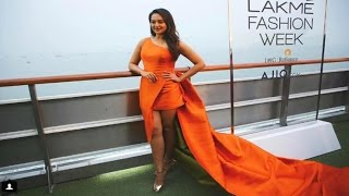 Sonkashi Sinha's HOTTEST Ever CATWALK | Lakme Fashion Week Opening Show