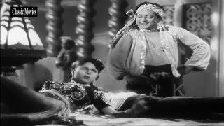 Mehfil Me Meri ll Kon Ye Deewana Aa Gaya ll (ALBELA 1951)...