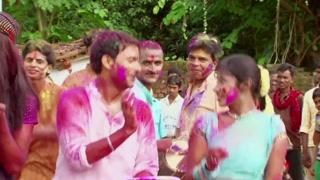 Agwa Daalab Hum Bhauji - Romantic Holi Song